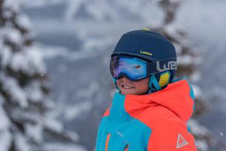 Questiona-se sobre a necessidade de usar capacete de ski? No entanto, os dados são claros: a seguir às pernas, a cabeça é a parte do corpo mais afetada nos acidentes de desportos de inverno.