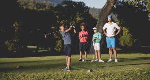 Comment choisir un kit de golf enfant ? Inesis Decathlon