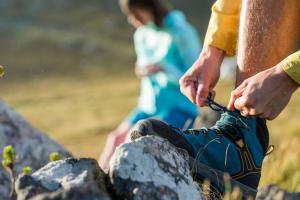 Comment bien serrer et lacer ses chaussures de randonnée ?