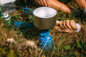 Astuces pour cuisiner facile au campement - teaser