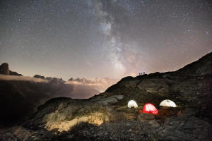 Passer une nuit à la belle étoile - teaser