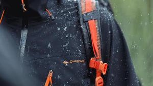 Comment mesurer l'imperméabilité d'une veste de randonnée - teaser