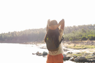6 warm-up exercises before heading off on a hike