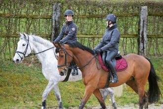 Comment bien s'équiper pour monter à cheval en hiver ?