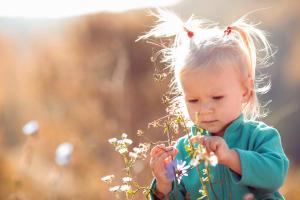Bien protéger votre enfant du soleil - teaser