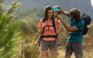 how to carry your baby when hiking