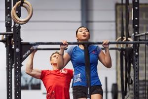 musculation-quels-exercices-avec-une-barre-de-traction