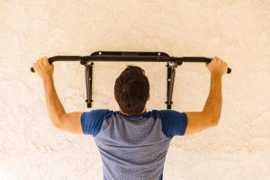 musculation-quel-programme-avec-une-barre-de-traction
