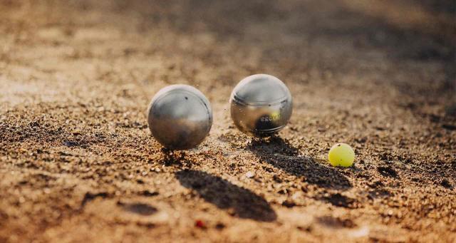 Comment choisir des boules de p tanque les conseils for Choisir des boules de petanque