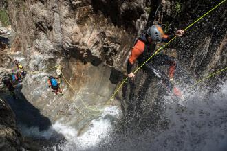 Descobrir o canyoning