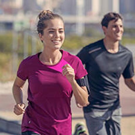 Choisir des vêtements amples pour le jogging à allure modérée