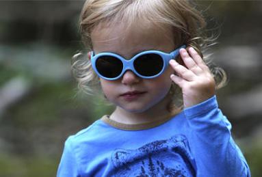 Comment choisir des lunettes de soleil bébé - Decathlon