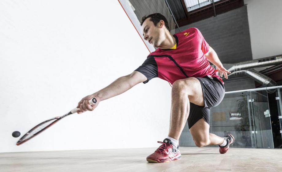bien choisir sa raquette de squash pour joueur intensif