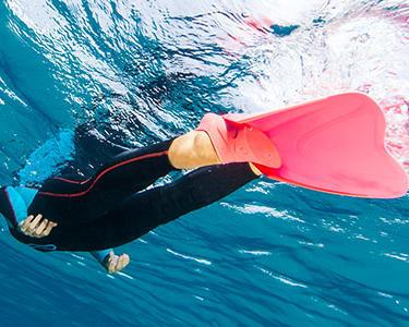 Anticiper les crampes et l'hypoglycémie pour une sortie snorkeling sereine