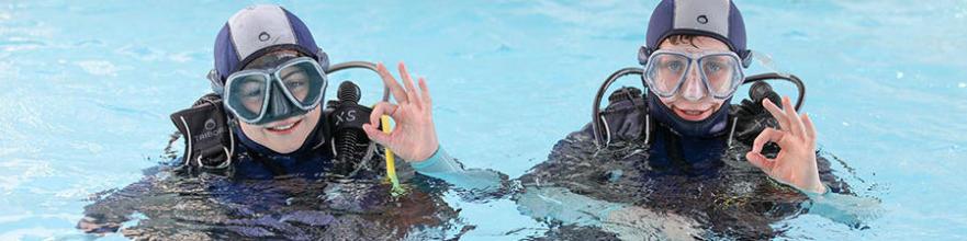 Comment choisir la taille d'une combinaison de plongée pour enfant ?