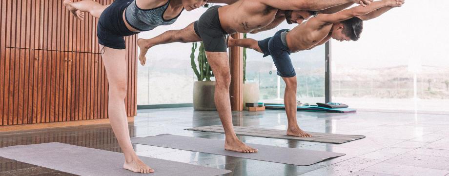 Comment choisir un tapis de yoga dynamique banniere