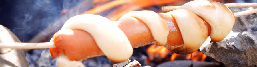 recipe-children-hiking-camping-easy-knack-sausages-pizza-roll