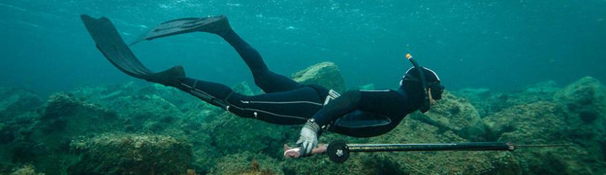 O isolamento térmico de um fato de caça submarina