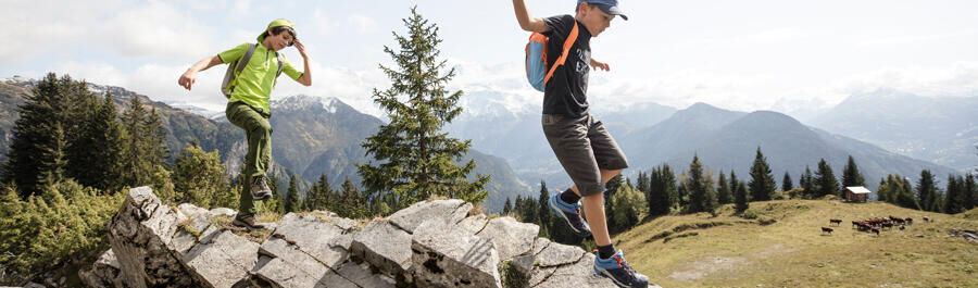 5 tips to motivate your pre-teen when hiking