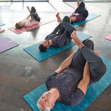 découvrez le hatha yoga  decathlon conseils
