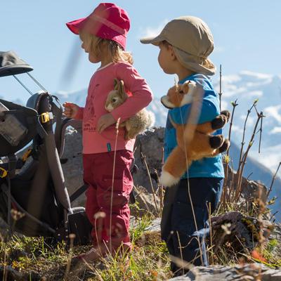 Comment habiller un enfant porté en randonnée ?