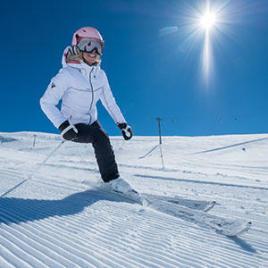 Les bienfaits du ski, un sport à découvrir avec les conseils sportifs Décathlon