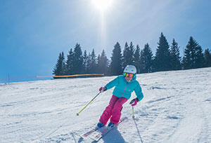 Fördelarna med skidåkning - upptäck sporten med Decathlons tips