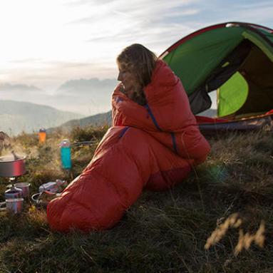 5 astuces pour ne jamais avoir froid dans votre sac de couchage les conseils sportifs d cathlon. Black Bedroom Furniture Sets. Home Design Ideas