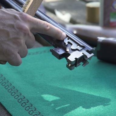 Limpar corretamente a sua arma de caça - limpar a parte exterior