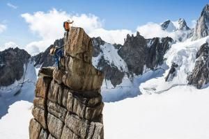 crampons d'alpinisme simond