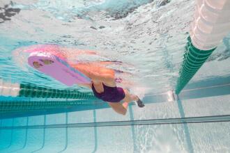 Le matériel de natation pour les jambes