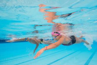 Brûler un maximum de calories grâce à la natation