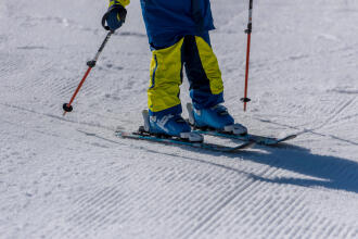 Hoe sluit je de gespen van je skischoenen?