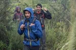Praticantes de caminhada casaco forclaz chuva