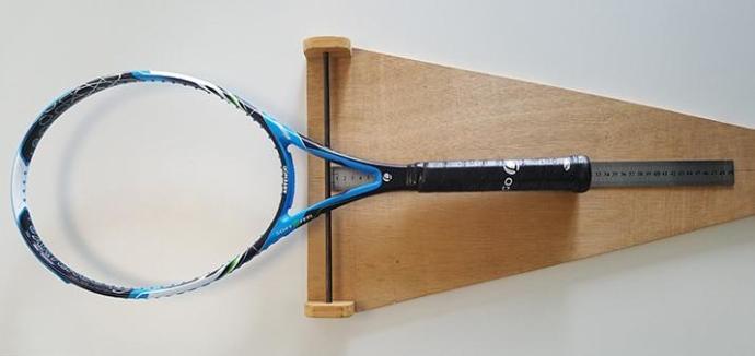 mesure-equilibre-raquette-tennis