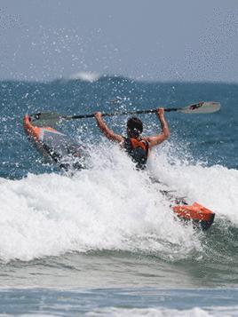fr-superare-la-line-up-in-kayak-itiwit
