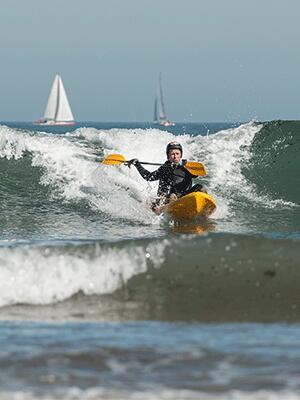 fr-je-surfe-en-kayak-itiwit