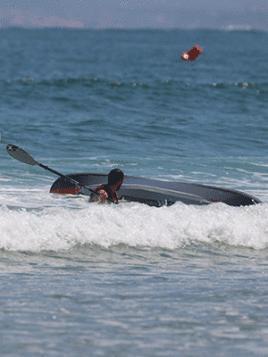 fr-chuter-dans-les-vagues-en-kayak-itiwit