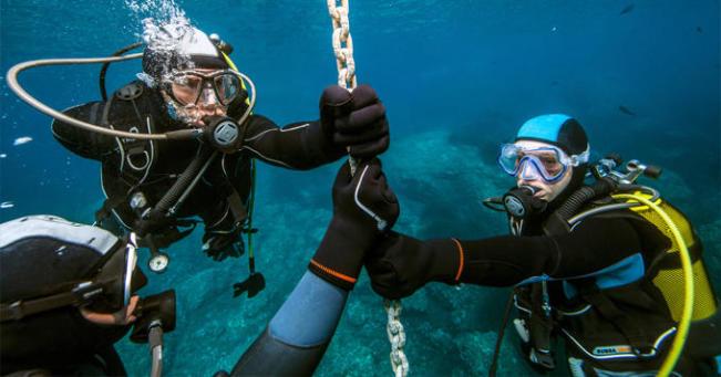 Proteger-se do frio durante o mergulho