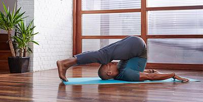 fr_image_tenue_yoga_doux_liberte_domyos.jpg
