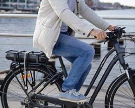 balade en vélo éléctrique en ville