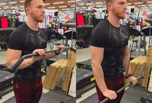 extension triceps poulie haute musculation