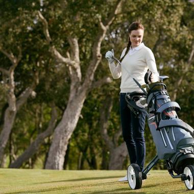 Welche Golfausrüstung benötige ich als Einsteiger?