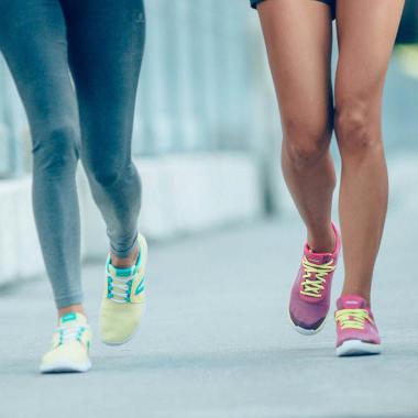 Warum du beim Walking spezielle Schuhe verwenden solltest