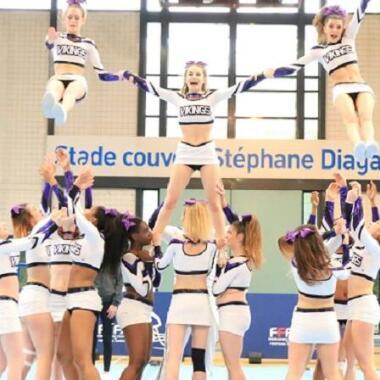 Byebye Klischees: Entdecke das Cheerleading als Akrobatiksport!