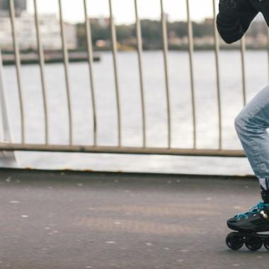 Kunstlauf-Rollschuhe vs. Inliner
