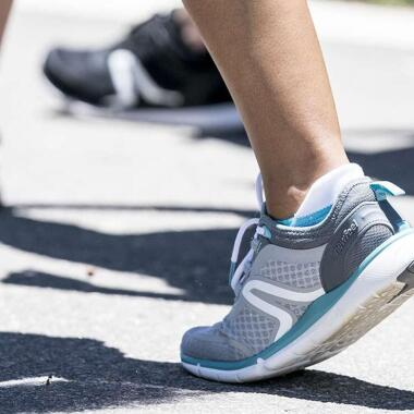 Erfahre die Unterschiede zwischen Gehen und Walken
