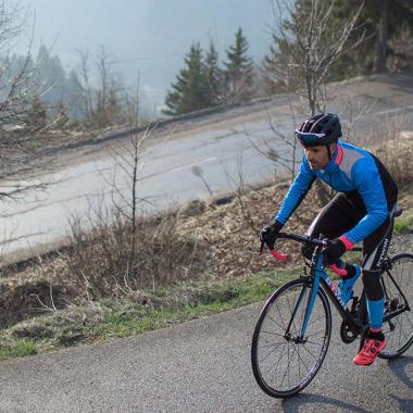 Wie stelle ich meine Sitzposition auf meinem Rennrad optimal ein?