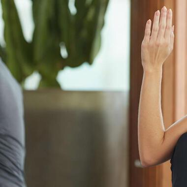 3 Yoga-Drehungen, die dir bei der Entgiftung helfen