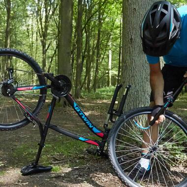 Wie wechselt man einen Fahrradreifen?